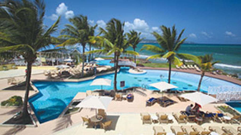 Image: Magdalena Grand Beach and Golf Resort, via hotel's website.
