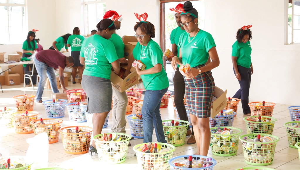 All hands on deck! Sagicor's team members came out to make sure approximately 60 individuals and families would receive their hampers for the holidays.