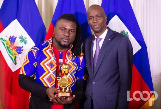 Manno Beats reçu par le président Jovenel Moïse au palais national/ Photo: Luckenson Jean
