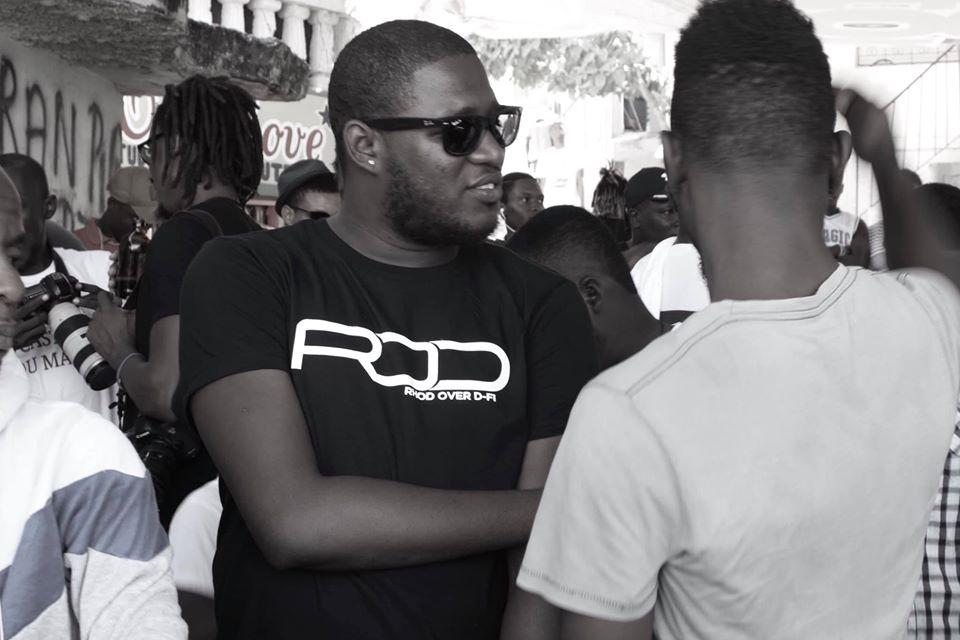 Le rappeur D-Fi Powèt Revolte à la vente signature du disque ROD mardi 24 décembre 2019. Crédit photo: D-Fi Nation/Facebook