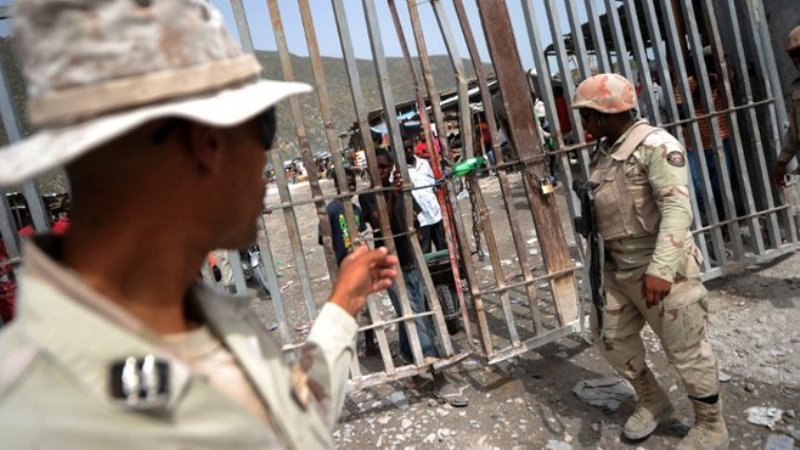 Des agents de la brigade de lutte contre les trafics de stupéfiants (Blts)menant une opération à la frontière haitianno-dominicaine
