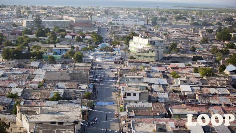 Une vue aérienne des quartiers de Boston et de 1er Cité, à Cité Soleil. Photo: Loop Haïti.
