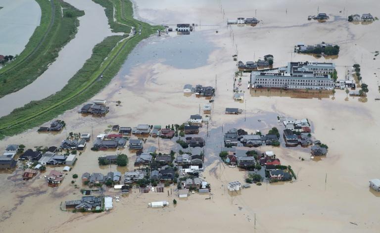 Vue aérienne d'inondations au Japon à Omachi, le 28 août 2019