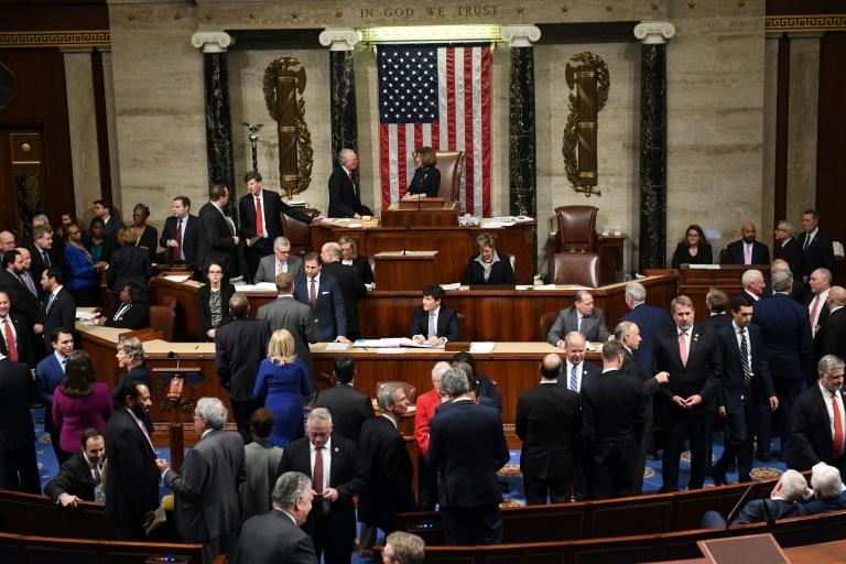Les élus de la Chambre des représentants votent la mise en accusation de Donald Trump le 18 décembre 2019 à Washington