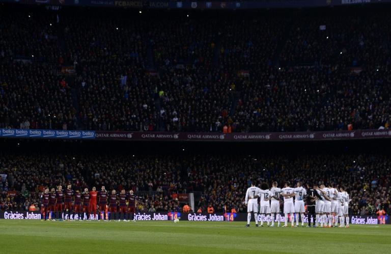 Vue générale du Camp Nou avant le clasico entre le Barça (g) et le Real Madrid, le 2 avril 2016