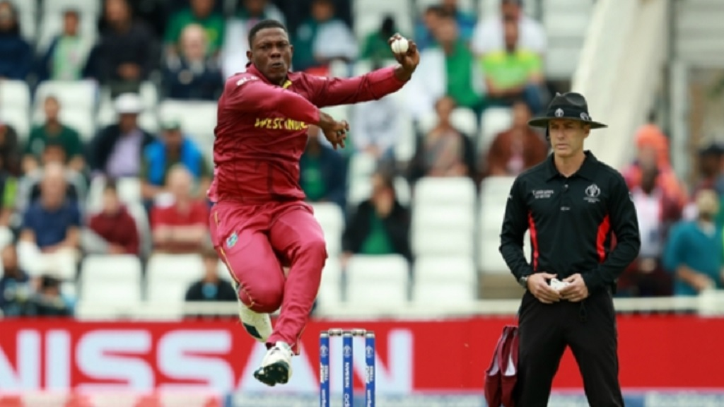 Sheldon Cottrell shows his pace prowess.