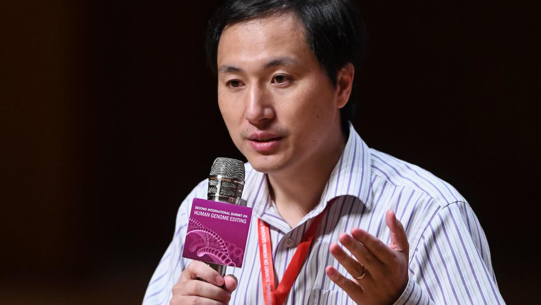 """Chine: le """"père"""" des bébés OGM condamné à 3 ans de prison. Photo: AFP"""