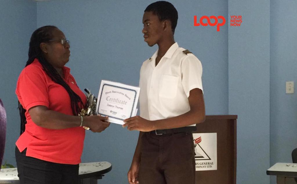 Daleron Thomas accepting his award.