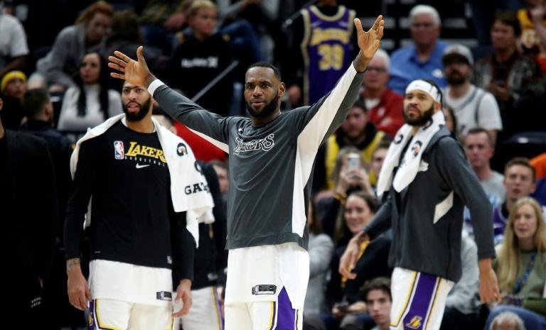 Les Lakers, portés par Anthony Davis, LeBron James et JaVale McGee, se sont imposés face au Jazz à Salt Lake City, dans l'Utah, le 4 décembre 2019