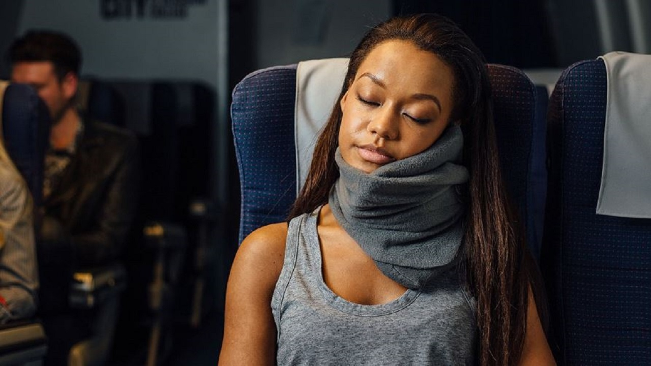 (Image of neck pillow courtesy of Trtl)