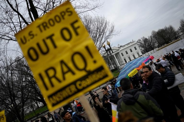 Des manifestants contre la présence américaine en Irak, rassemblés le 4 janvier 2020 à Washington devant la Maison Blanche afp.com - ANDREW CABALLERO-REYNOLDS