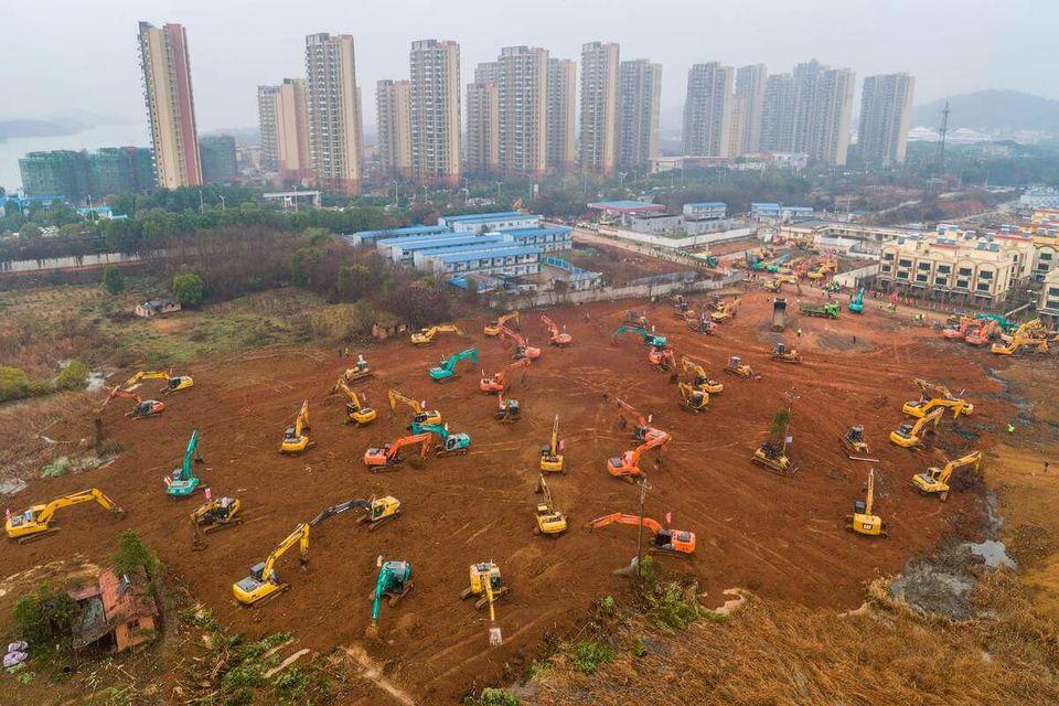 En Chine, 10 jours pour construire un hôpital antivirus. Photo: AFP
