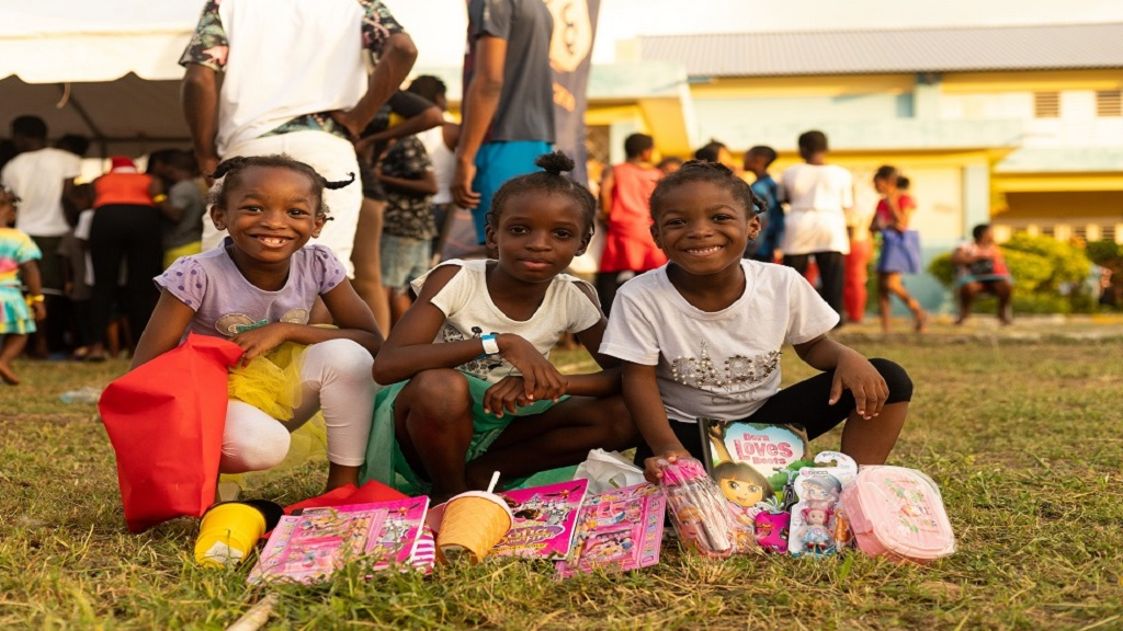These children were all smiles during the Alacran Foundation Christmas treat over the  recent holiday season.