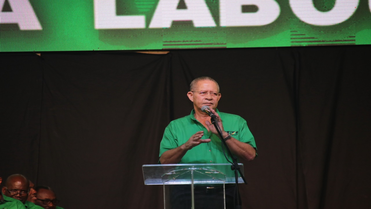 Former Prime Minister Bruce Golding addressing labourites at the JLP annual conference. (PHOTOS: Llewellyn Wynter)