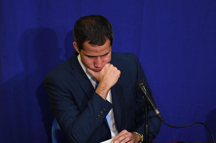 L'opposant Juan Guaido pendant une séance improvisée du parlement qui l'a réélu président de l'assemblée, le 5 janvier 2019 afp.com - Yuri CORTEZ