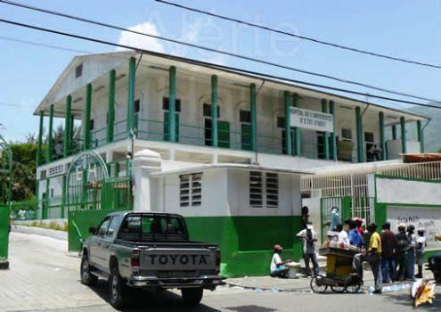 Vue partielle de l'Hôpital de l'Université d'Etat d'Haïti. Photo : Alerte Haïti.