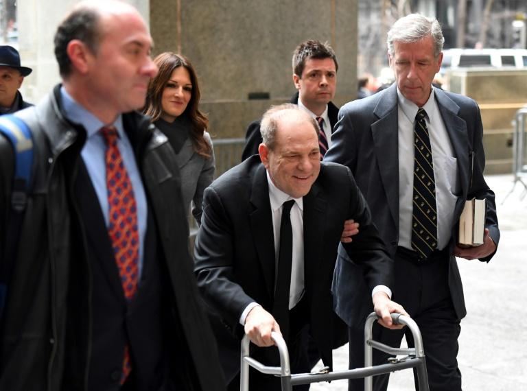 Harvey Weinstein arrive au tribunal au premier jour de son procès, le 6 janvier 2020. AFP / Johannes EISELE