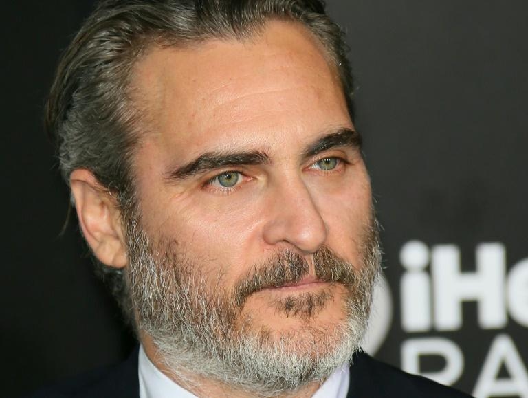 """L'acteur américain Joaquin Phoenix à la première du film """"Joker"""" dans lequel il interprète le rôle-titre le 28 septembre 2019 à Hollywood"""