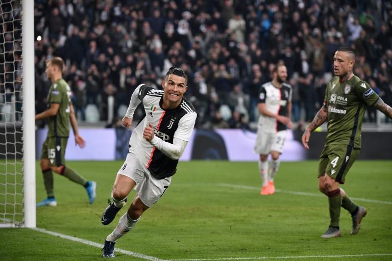 Cristiano Ronaldo s'est offert un triplé dans la large victoire de la Juventus contre Cagliari à Turin, le 6 janvier 2020. AFP / Marco Bertorello