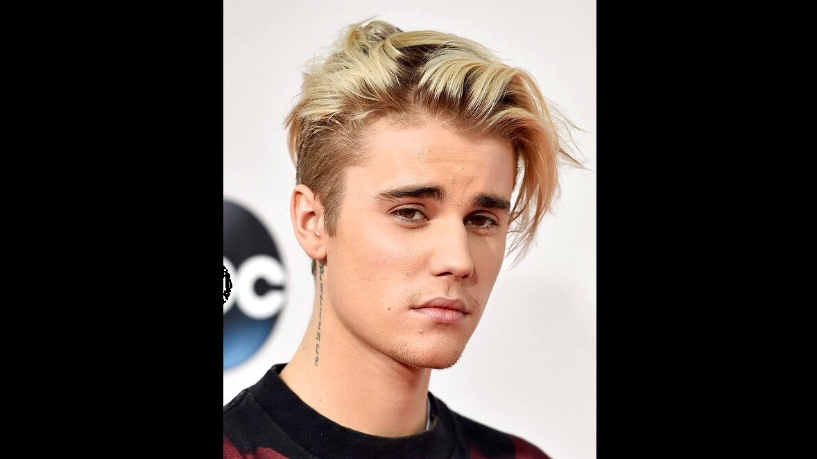 This Nov. 22, 2015 file photo shows Justin Bieber at the American Music Awards in Los Angeles. (AP Photo by Jordan Strauss/Invision/AP)