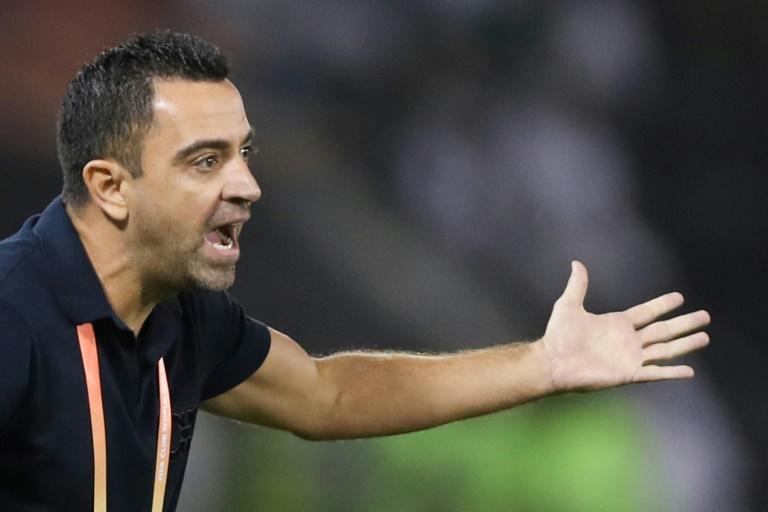 L'entraîneur espagnol de Sadd Xavi dirige ses joueurs lors du quart de finale du mondial des clubs contre Monterrey à Doha, le 14 décembre 2019.