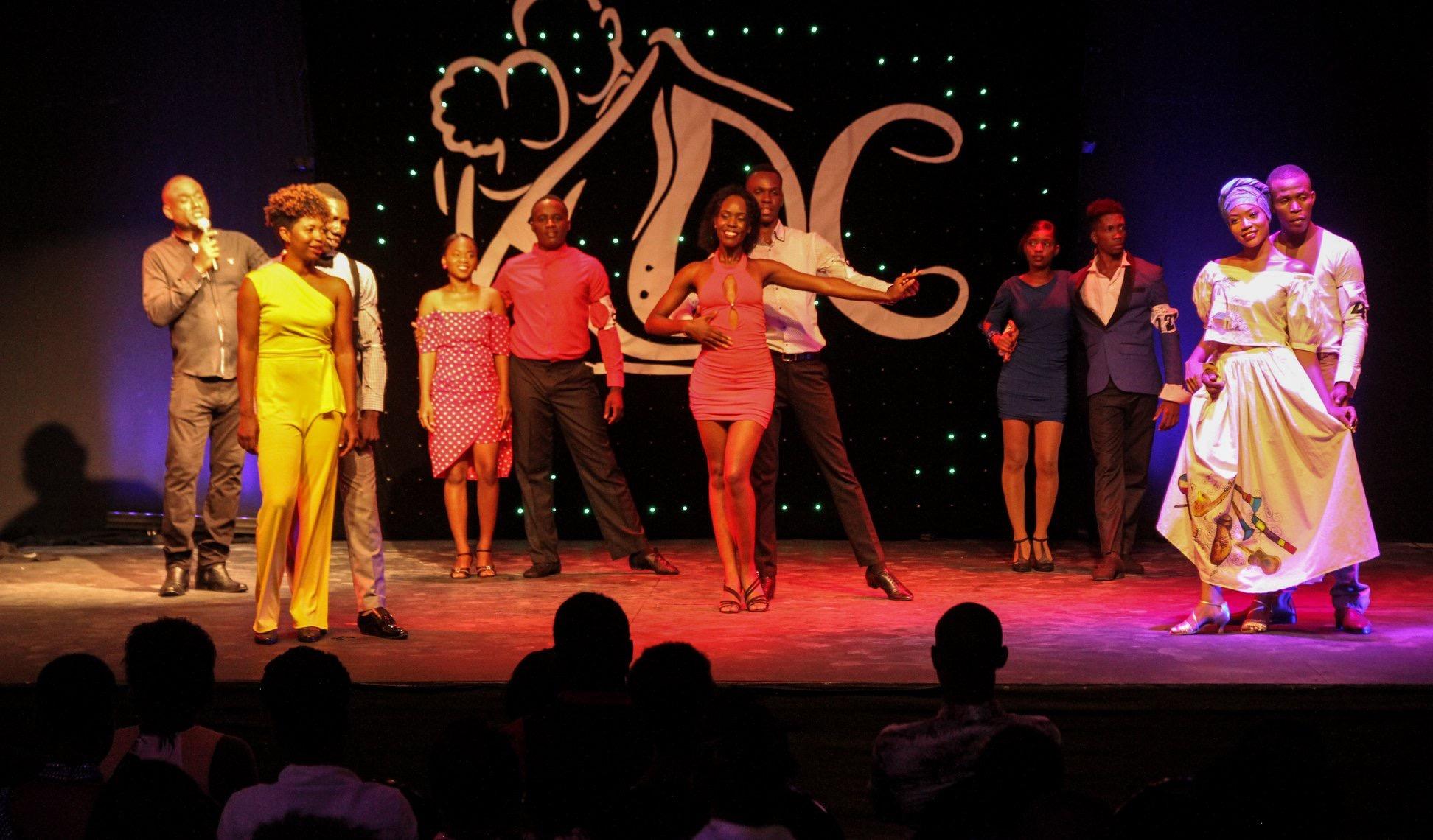 Quelques danseurs lors des demi-finales régionales. Crédit photo: FB Konpa danse Challenge
