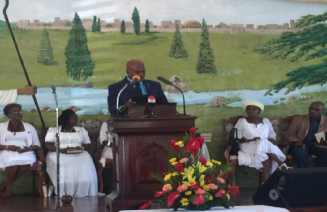 Minister Hinkson delivered the feature address at the NCSA church service.