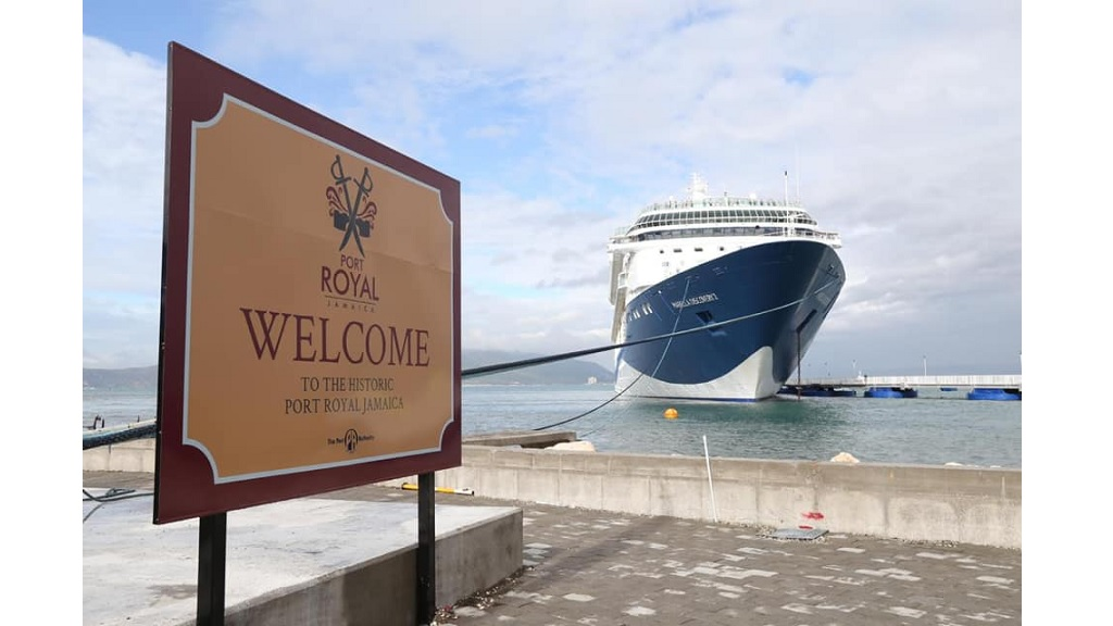 The Marella Discovery II docked at the Port Royal cruise port at 8.09 am on Monday. (Photos: OPM)