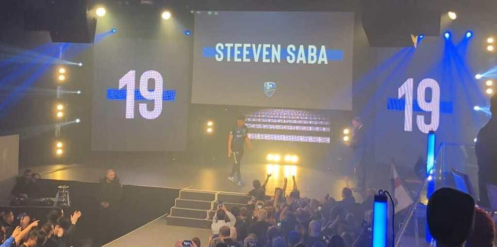 Steeven Saba, au moment de sa présentation aux supporteurs