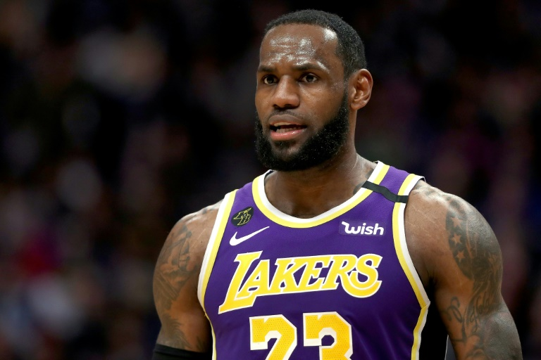 LeBron James des Los Angeles Lakers face aux Denver Nuggets, en NBA, le 12 février 2020 à Denver