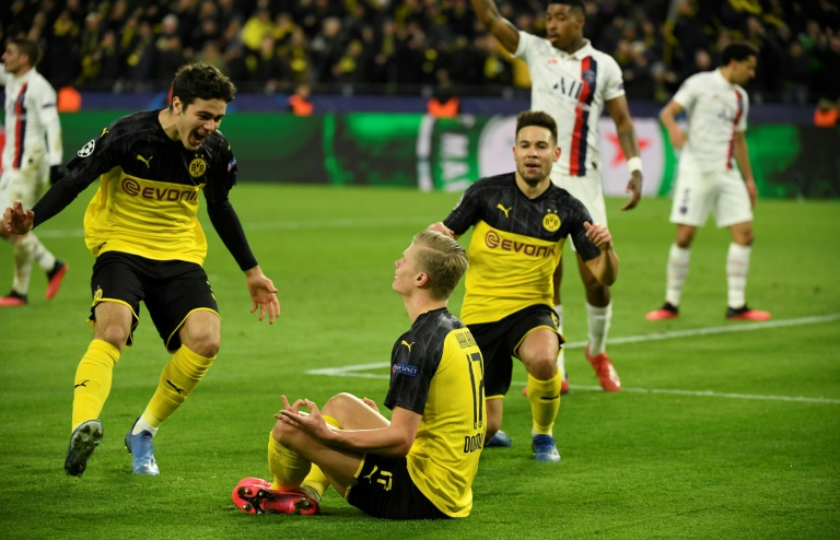 Dortmund, porté par son prodige Erling Haaland (N.17), auteur d'un doublé, s'impose au PSG au Signal Iduna Park, le 18 février 2020