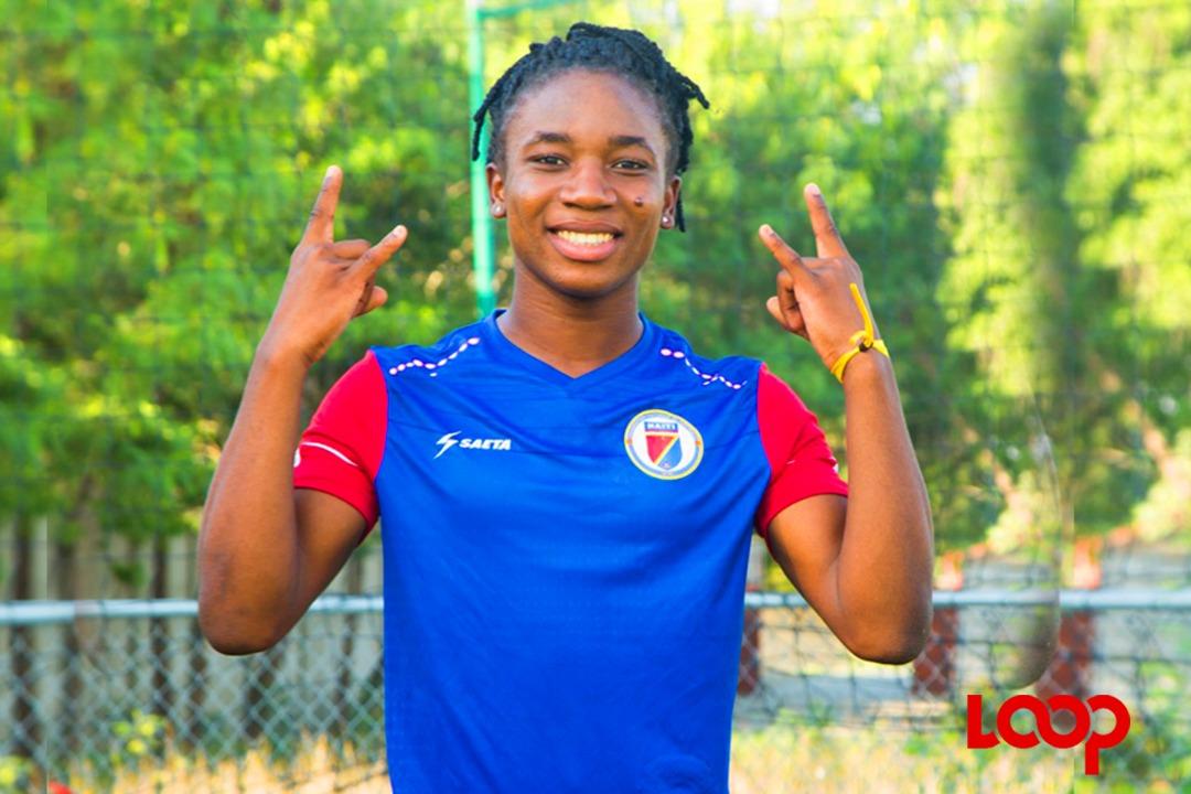 La pépite haïtienne, Melchie Daelle Dumornay, lors d'une séance de prise de Photos. Luckenson Jean