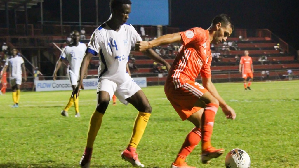 Waterhouse in action against Cibao.