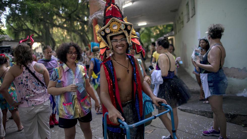 A Rio, le carnaval comme thérapie pour des patients en psychiatrie. Photo: AFP
