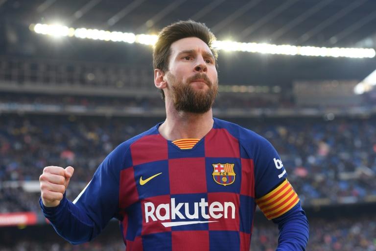 L'attaquant argentin du FC Barcelone Lionel Messi célèbre l'un de ses quatre buts inscrits lors de la victoire de son équipe face à Eibar (5-0) le 22 février 2020.