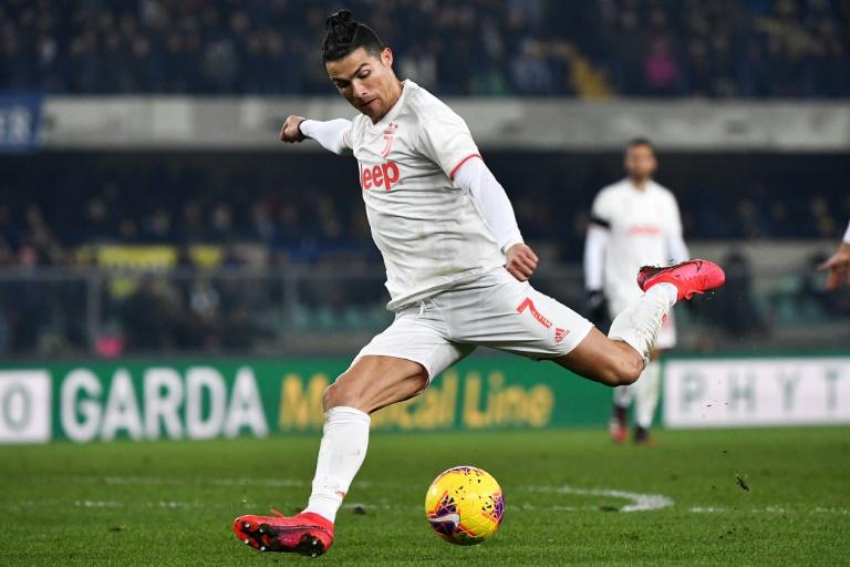 La star de la Juventus Cristiano Ronaldo sur le terrain du Hellas Vérone, le 8 février 2020