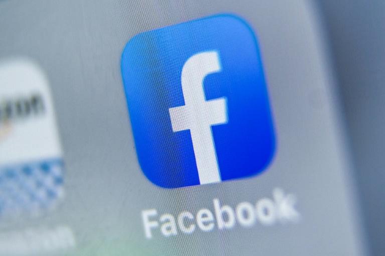 L'arrivée de Facebook sur le marché de l'amour en ligne menace de redistribuer les cartes. AFP/Archives / DENIS CHARLET