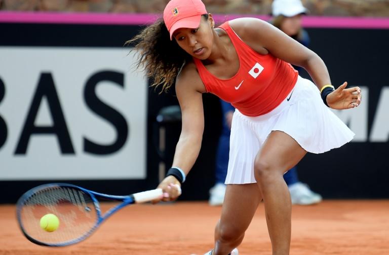 La Japonaise Naomi Osaka frappe un coup droit lors des qualifications de la Fed Cup, le 7 février 2020 à Carthagène en Espagne
