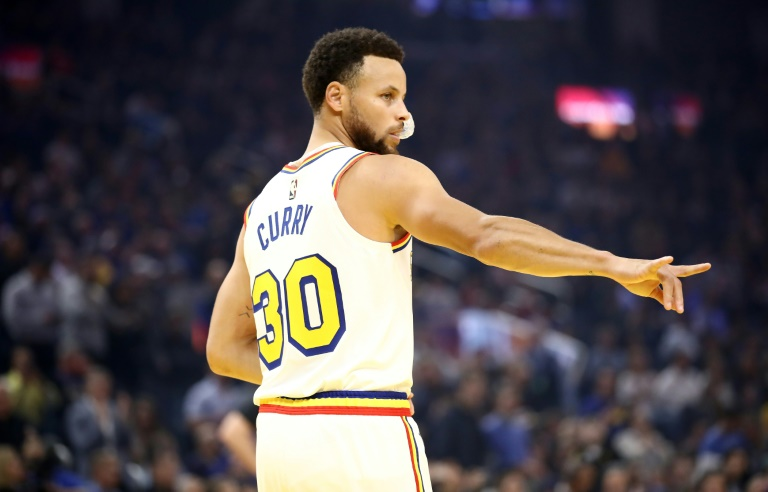 Le joueur des Golden State Warriors Stephen Curry avant le match de NBA contre les Toronto Raptors le 5 mars 2020 à San Francisco (Etats-Unis)