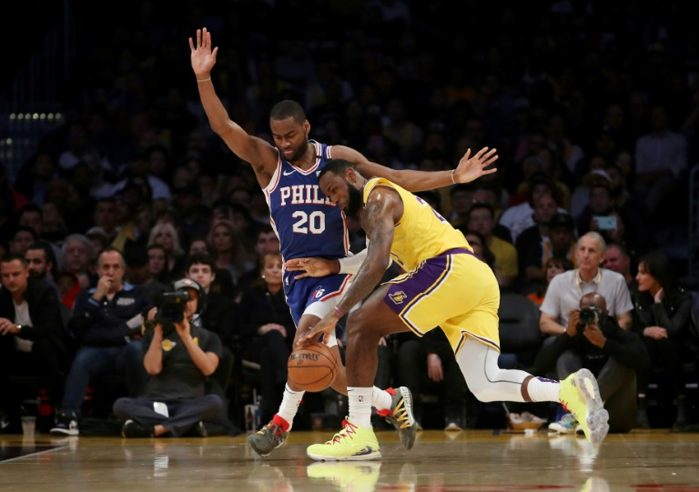 LeBron James, des Oos Angeles Lakers, contre les Philadelphia 76ers en NBA le 3 mars 2020 au Staples Center de Los Angeles