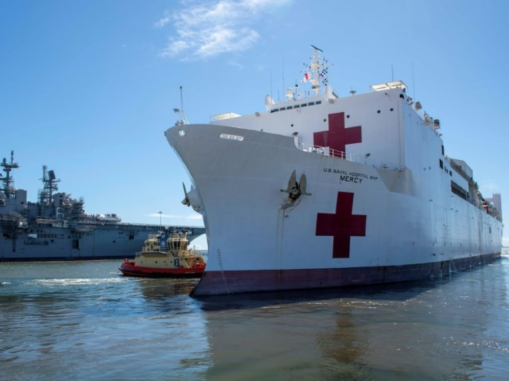 Le USNS Mercy au départ de la base navale de San Diego le 23 mars 2020, en Californie Cosmo WALRATH US NAVY/AFP/Archives
