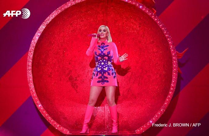 Surprise! Katy Perry révèle être enceinte dans son dernier clip. Photo: AFP