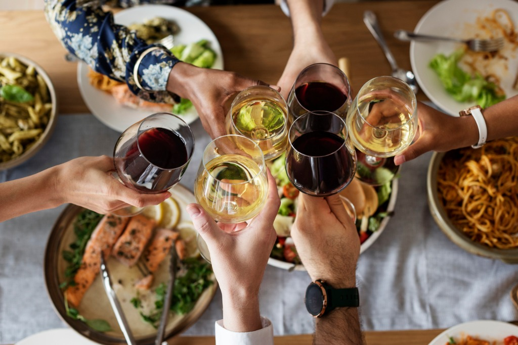 All good meals start with scrumptious fare and libations. (Photo: iStock)