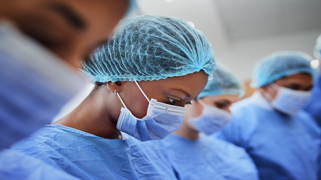 iStock photo of medical professionals in the operating room.