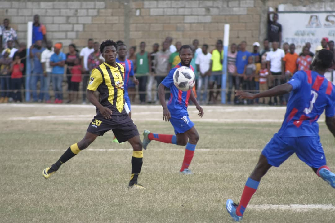 Une séquence dans le match entre Don Bosco et USR. Photo : website de Don Bosco.