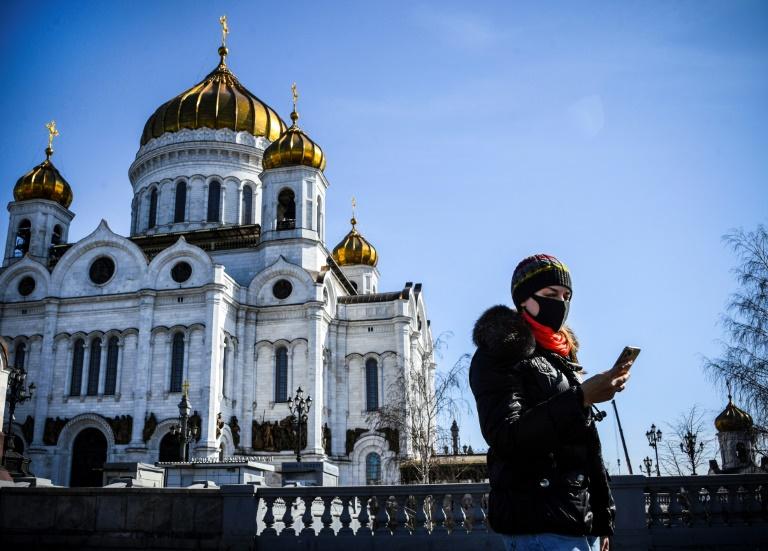 Devant la cathédrale du Christ-Sauveur à Moscou, le 26 mars 2020