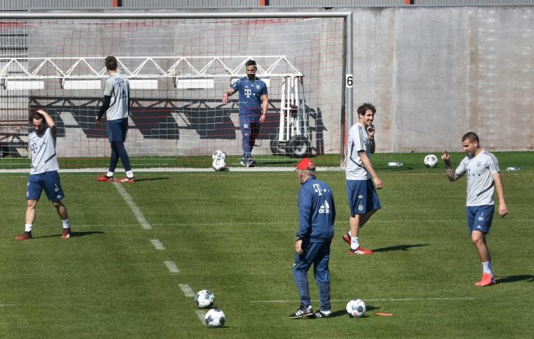 Plusieurs joueurs du Bayern Munich à l'entraînement, le 6 avril 2020 à Munich