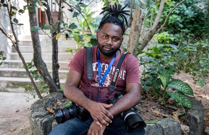 Le photojournaliste haïtien, Dieu-Nalio Chery qui vient de remporter le Prix Robert Capa Gold de l'OPC.