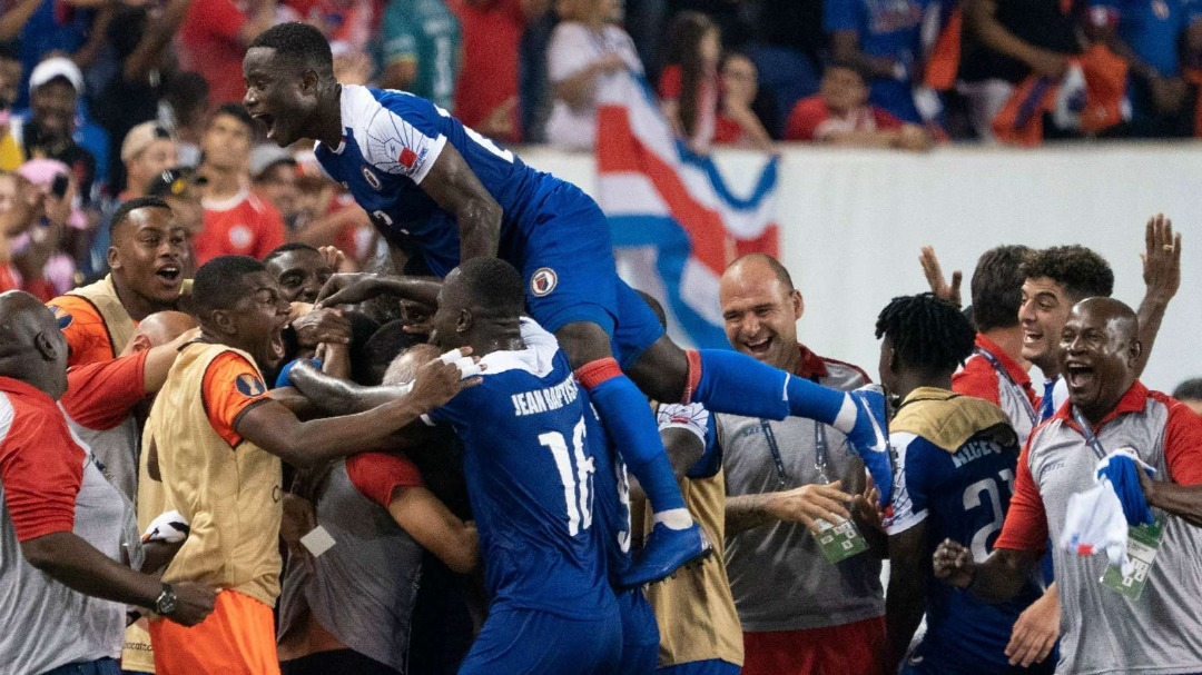 Les Haïtiens célèbrent leur 3e but contre le Canada. Photo: Goal.com