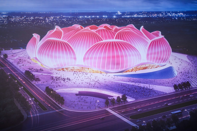 Le projet de nouveau stade du Guangzhou Evergrande dévoilé lors du début des travaux de construction le 16 avril 2020 à Canton